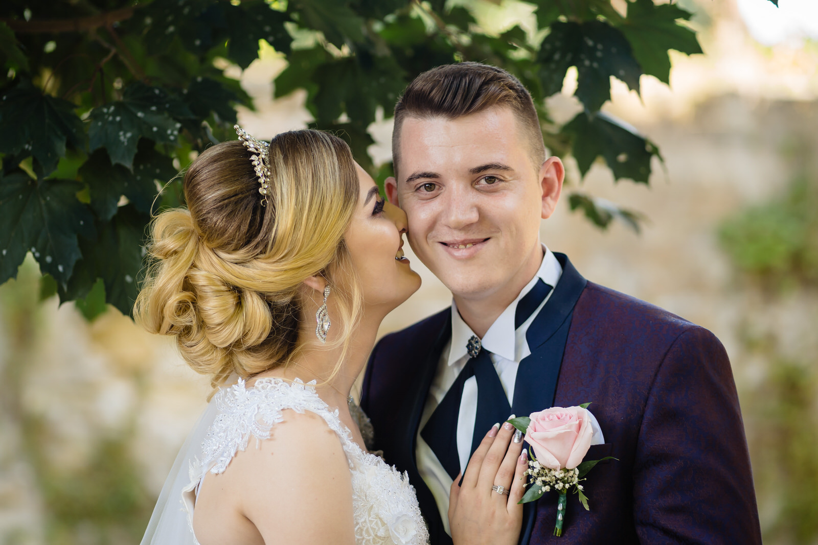 Nunta noastra, Beea și Alexandru